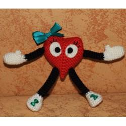 Вязаное сердце подарок любимым