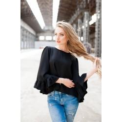 Блузка с широкими пышными рукавами